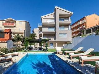 Apartments AZALEA S4 - Podstrana vacation rentals