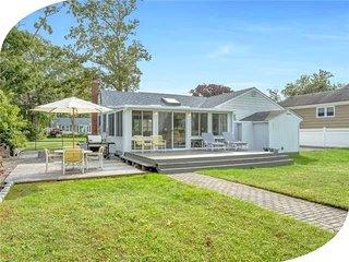 Villa Patrizia - 3 Bedroom Dockside Hamptons Cottage - East Quogue vacation rentals