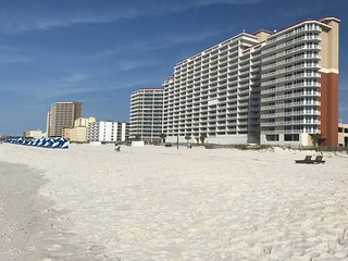 Lighthouse 401 Gulf Shores Condo  Luxury Corner Unit , expanded wrap balcony - Gulf Shores vacation rentals