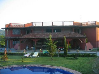 Villa Girasole - Toscany Sunflower - Pallerone vacation rentals