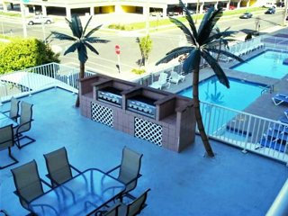 Updated Condo - Beach Block - 1 Bed, 1 Bath Condo with pool - North Wildwood NJ - North Wildwood vacation rentals