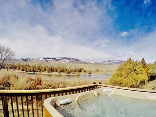 Yellowstone Riverside Cottage-Hot Tub-Fishing- - Gardiner vacation rentals