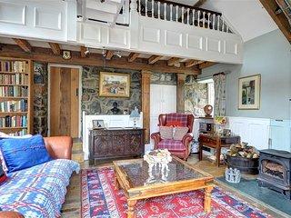 2 bedroom Cottage with Internet Access in Garndolbenmaen - Garndolbenmaen vacation rentals