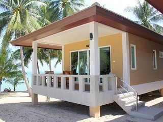 At Beach Pool & Brand New Beachfront - Maret vacation rentals