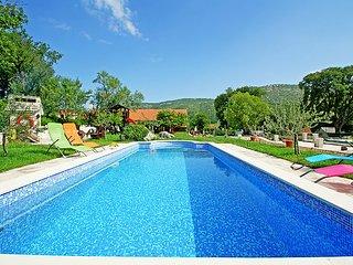 3 bedroom Villa in Trogir, Central Dalmatia, Croatia : ref 2235479 - Prapatnica vacation rentals