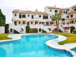 3 Bed House / A/C Thoughout / Wi-Fi / Pool / 5 mins WALK to the Beach Cabo Roig - Cabo Roig vacation rentals