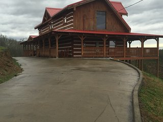 3 bedroom 3 1/2 bath cabin near douglas dam and close to pigeon forge - Pigeon Forge vacation rentals