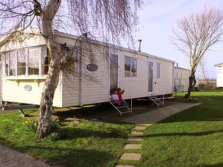 Comfortable Caravan/mobile home with Internet Access and Children's Pool - Winchelsea vacation rentals