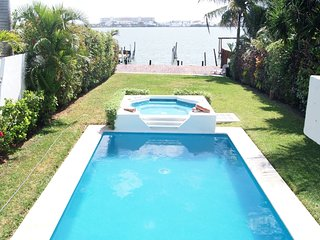 Luxury Water Front 3 Bedroom Home - Pool, Garden and Deck - up 12 people - Cancun vacation rentals