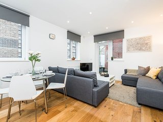 Apt 3 - Vibrant Vauxhall, Perfect Base for Sight Seeing - Message me for offers! - London vacation rentals