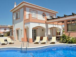 Villa Ribeiro II - 4 bedroomed Villa Albufeira , Açoteias - Olhos de Agua vacation rentals