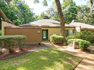 Fairway Oaks Ground Level Villa, Amelia Is Plantation - Fernandina Beach vacation rentals