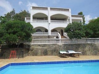 Bright 5 bedroom Kisumu Villa with Satellite Or Cable TV - Kisumu vacation rentals