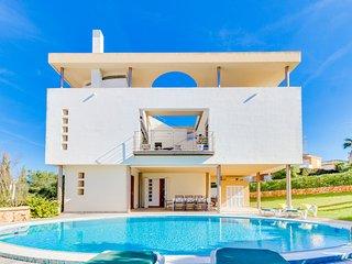 Comfortable Villa with Internet Access and Washing Machine - Son Veri Nou vacation rentals