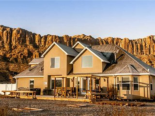 Gorgeous House with Deck and Garage - Moab vacation rentals