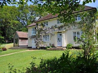 Lovely 4 bedroom House in Stuckton - Stuckton vacation rentals