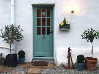 Charming 1 bedroom Carharrack Cottage with Internet Access - Carharrack vacation rentals