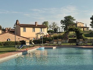 Romantic Tuscany for two at Roses - Pietraia vacation rentals