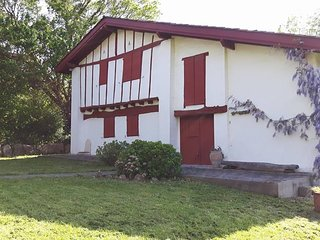 Belle maison basque entre terre et mer - Saint-Pee-sur-Nivelle vacation rentals