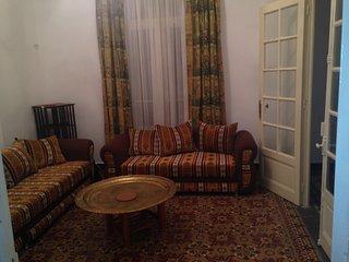 Appartement dans immeuble hausmanien maison de l hospitalite - Algiers vacation rentals