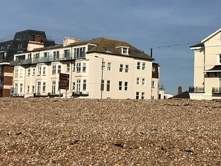 One bed by the sea - Portsmouth vacation rentals