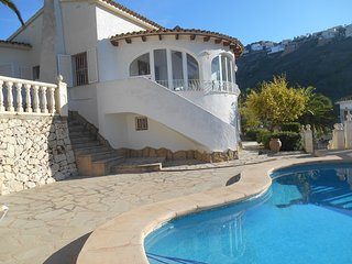 Golden Valley is a lovely 3 bed, 3 bath Moraira villa with pool & air con & wifi - Moraira vacation rentals