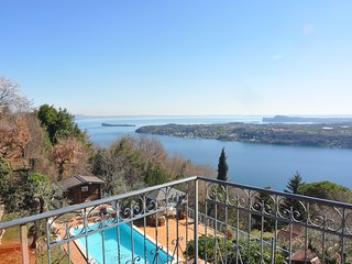 Villa for 18 People with Pool, Lake View, AC, WIFI, parking places in Salò - Gardone Riviera vacation rentals