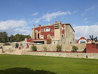Spacious 8 bedroom Villa in Santa Margarida - Santa Margarida vacation rentals