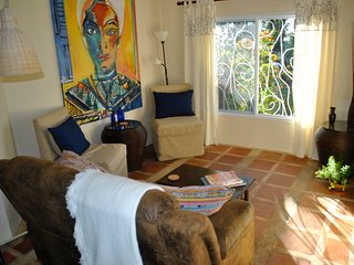 Reduced - 5 mins. to Town, Rural, Quiet, Safe. The Trillium - Artsy and Comfy. - Boquete vacation rentals