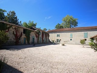 Nice 10 bedroom Vacation Rental in Saint-Martory - Saint-Martory vacation rentals