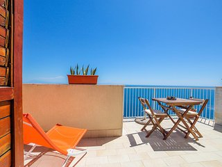 LivingAmalfi Blue Relaxation 2, stunning sea view, wifi, air conditioning - Vettica di Amalfi vacation rentals