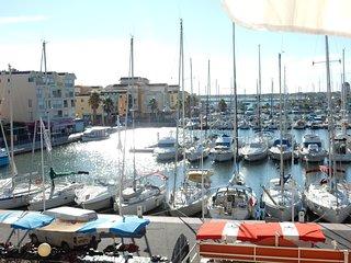 T2 mezzanine vue port rive gauche - Gruissan vacation rentals