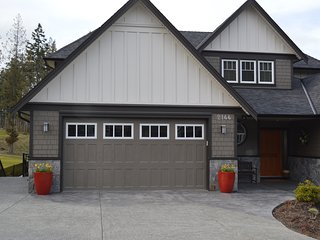 Bear Mountain 2BD Retreat on the 9th - Langford vacation rentals