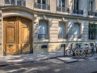 Duplex Square Saint Lazare - Paris vacation rentals