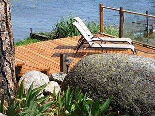 Relaxing Getaway on Beautiful Diamond Lake. Waterski Paradise! - Newport vacation rentals