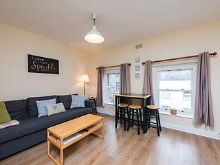 Modern upper floor 1 BDM Dublin near Temple Bar - Dublin vacation rentals