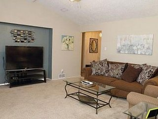 5 Large Beds! + Hot Tub + Convenient! Sleeps up to 13 - Lubbock vacation rentals