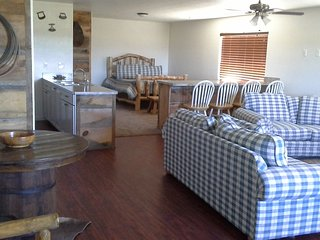 Scenic studio near Bryce National Park, scenic view, wildlife, ATVs, biking - Bryce vacation rentals