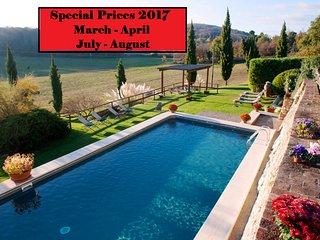 Beautiful Private Villa,Pool,Hot tub, Wi-Fi, near Siena - SPECIAL PRICES 2017!!! - Siena vacation rentals