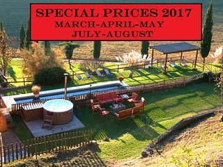 Private Tuscany Villa,Pool, Hot tub,wi-fi,15km from Siena - SPECIAL PRICES 2017 - Siena vacation rentals