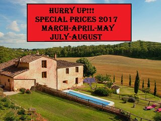 Private Villa,Pool, Hot tub,free WiFi,15km from Siena -SPECIAL PRICES 2017!!! - Siena vacation rentals