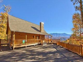 Gatlinburg Private pool cabin with spectacular views  SPLASH MANSION 500 - Gatlinburg vacation rentals