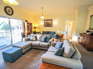 Sunny 3 bedroom Vacation Rental in Harrietville - Harrietville vacation rentals