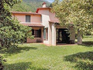 5 bedroom Villa in Pietrasanta, Tuscany Coast, Versilia, Italy : ref 2038462 - Valdicastello Carducci vacation rentals
