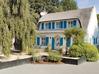 3 bedroom Villa in Moelan sur mer, Brittany - Northern, Finistere, France : ref - Doelan vacation rentals