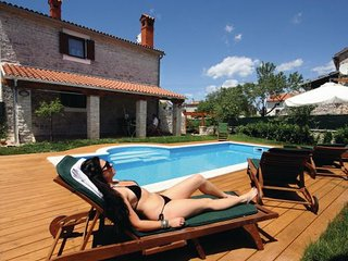 4 bedroom Villa in Vodnjan Cabrunici, Istria, Vodnjan, Croatia : ref 2047054 - Cabrunici vacation rentals