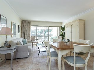 Le Piree Cannes Vacation Rental with a Balcony, in Great Location - Cannes vacation rentals