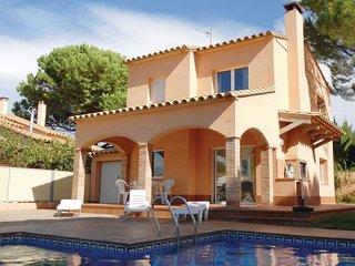 4 bedroom Villa in L Escala, Catalonia, Costa Brava, Spain : ref 2090865 - L'Escala vacation rentals