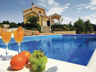3 bedroom Villa in Sibenik, Northern Dalmatia, Croatia : ref 2095579 - Sibenik-Knin County vacation rentals