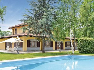 3 bedroom Villa in Cuneo, Piedmont, Italy : ref 2095873 - Bene Vagienna vacation rentals